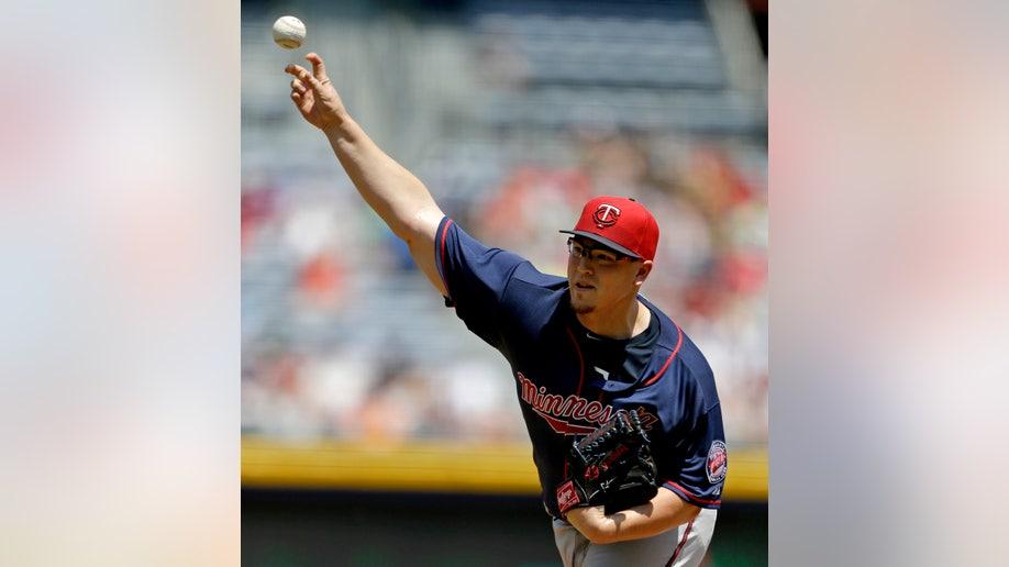3db036e7-Twins Braves Baseball