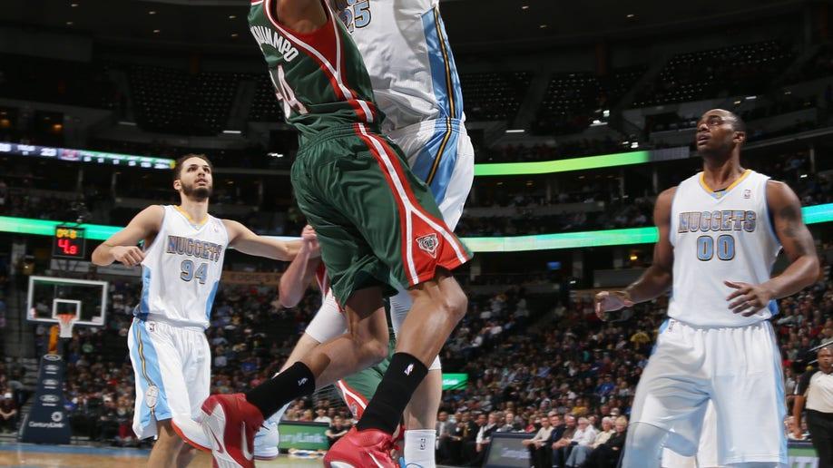 b29b3377-Bucks Nuggets Basketball