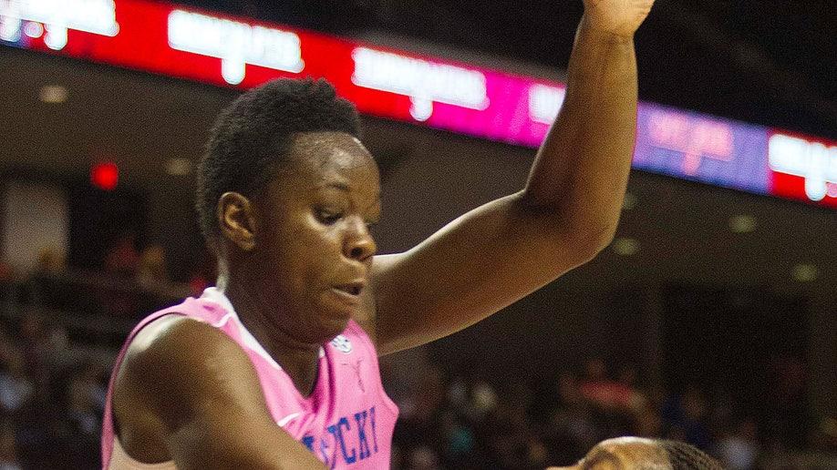 246646f5-Kentucky Texas A M Basketball