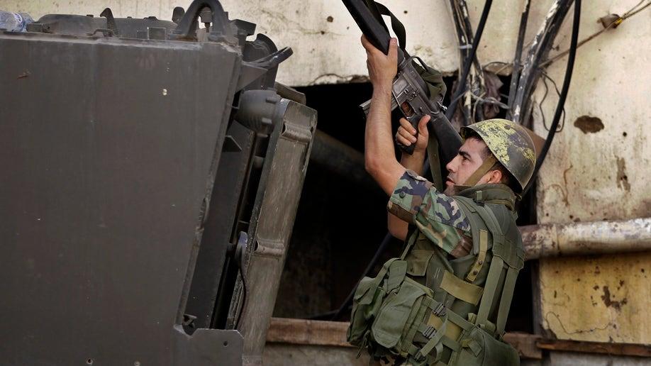 d437dc91-Mideast Lebanon Army