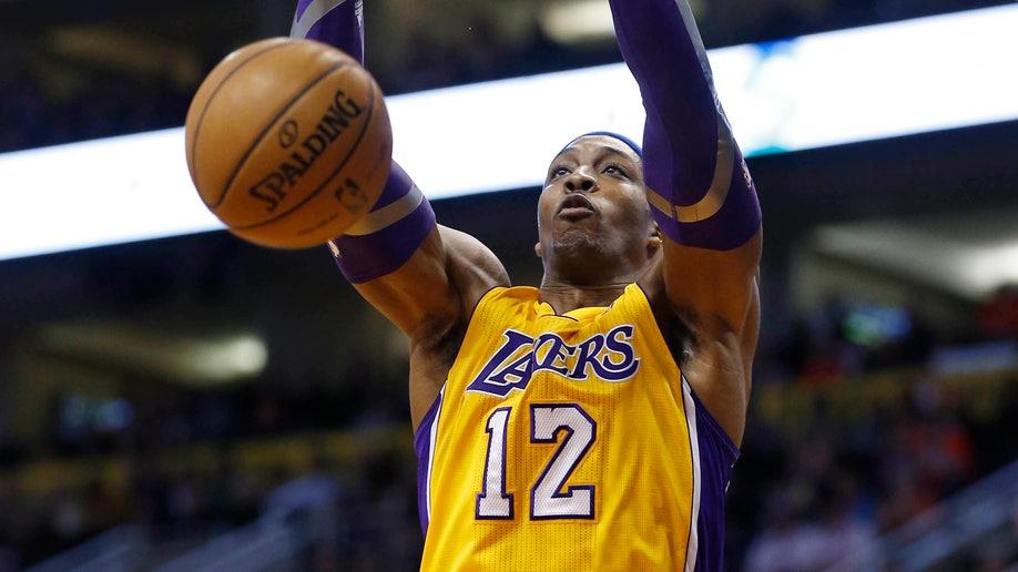 9bfe18d7-Lakers Suns Basketball