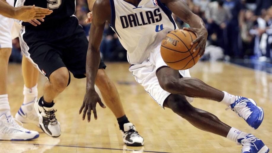 Spurs Mavericks Basketball