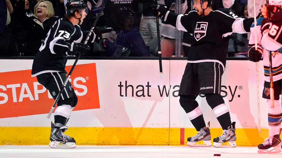e6134345-Sharks Kings Hockey