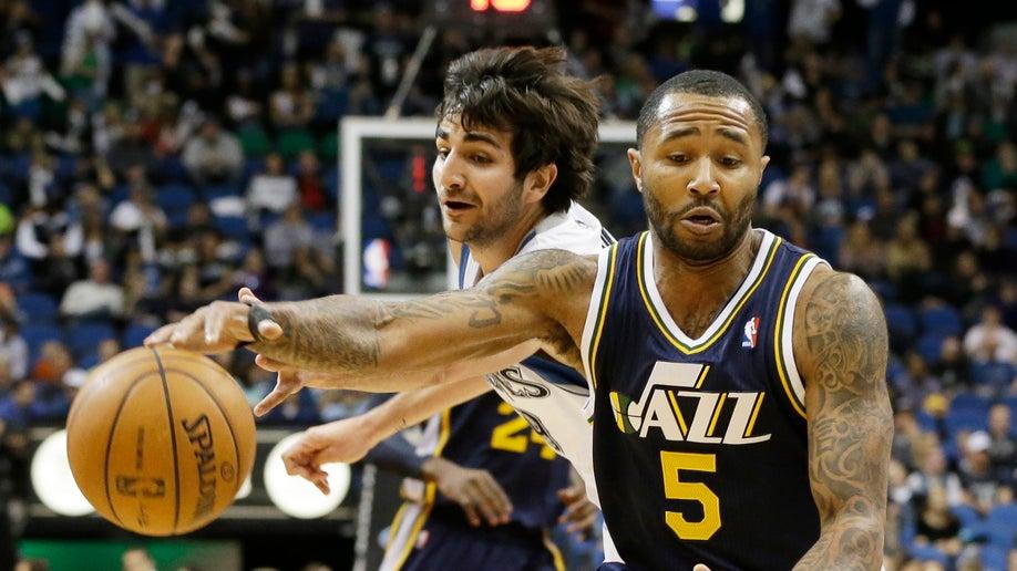 58c29021-Jazz Timberwolves Basketball