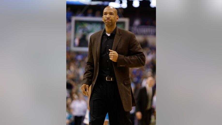 8844a816-Hornets Mavericks Basketball