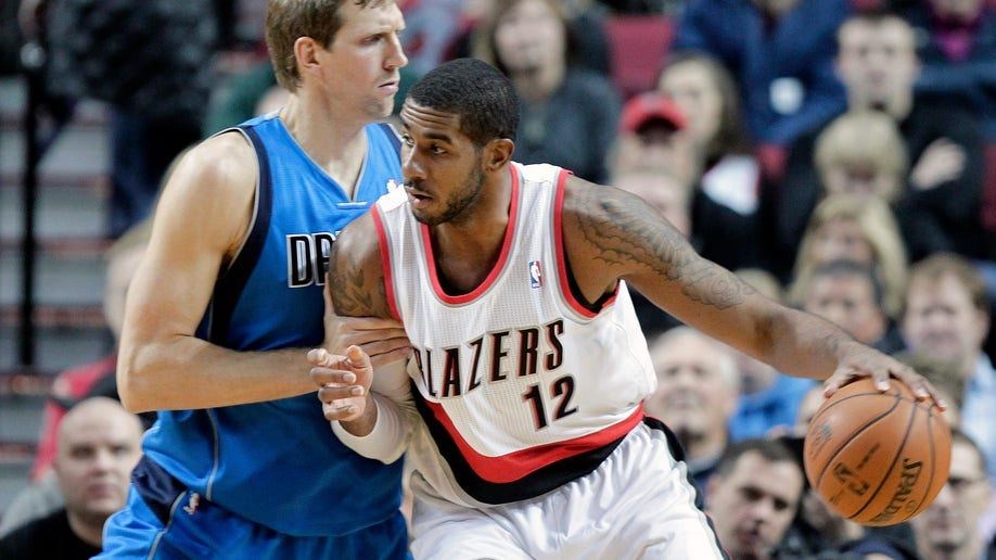 9511700e-Mavericks Trail Blazers Basketball