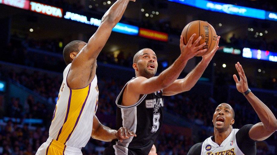 509aeeea-Spurs Lakers Basketball