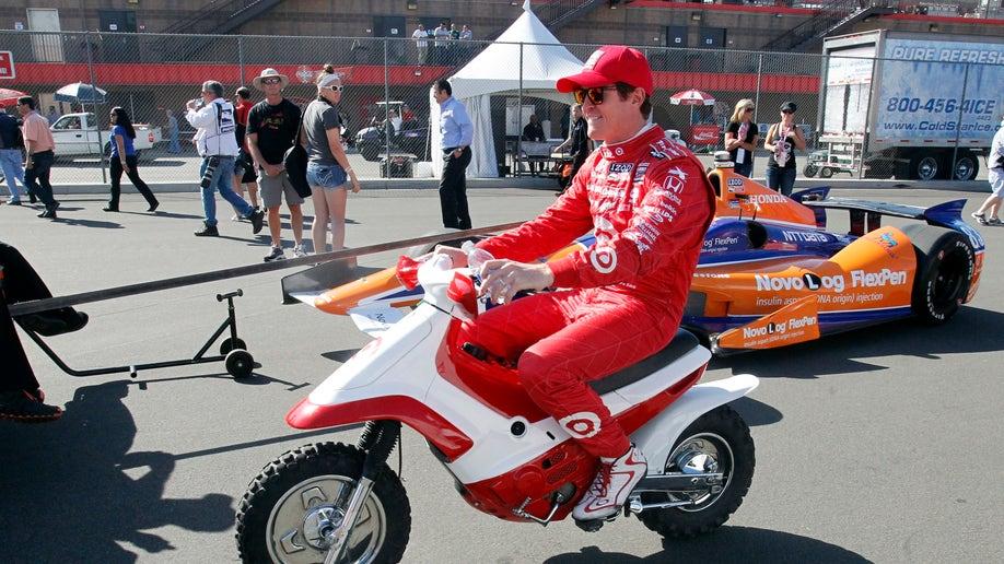 92d8f8db-IndyCar Fontana Auto Racing