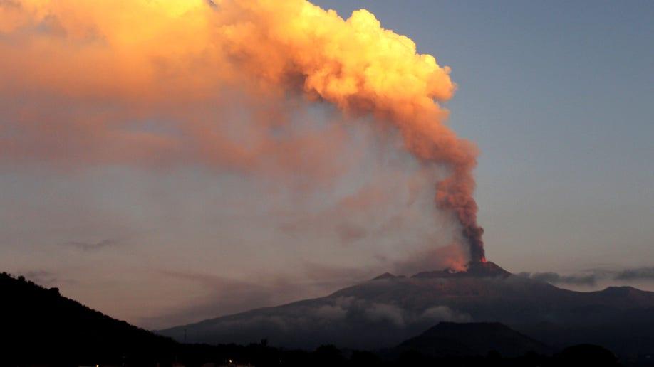 a0c33186-Italy Etna Eruption
