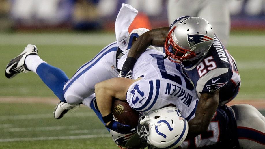 b4f511f5-Colts Patriots Football