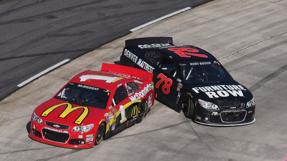 f330034d-NASCAR Martinsville Auto Racing