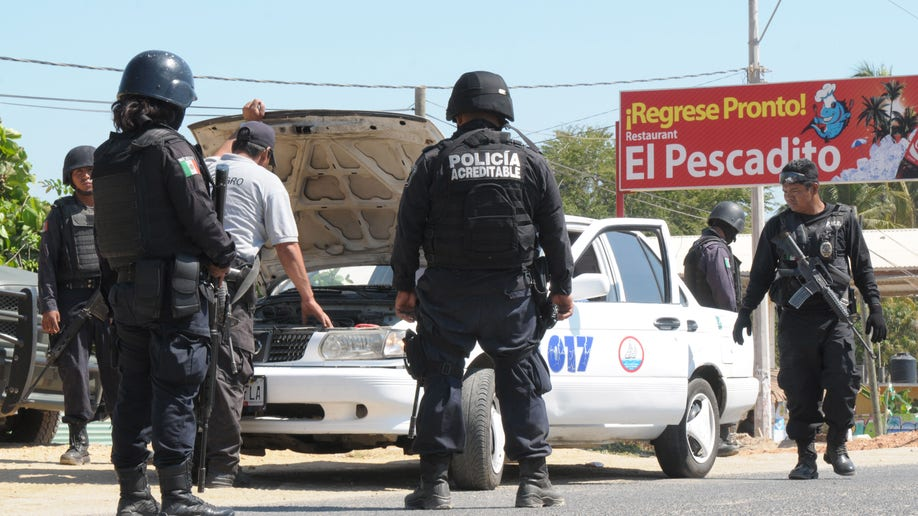 b6c13d5f-Mexico Spain Tourists Attacked