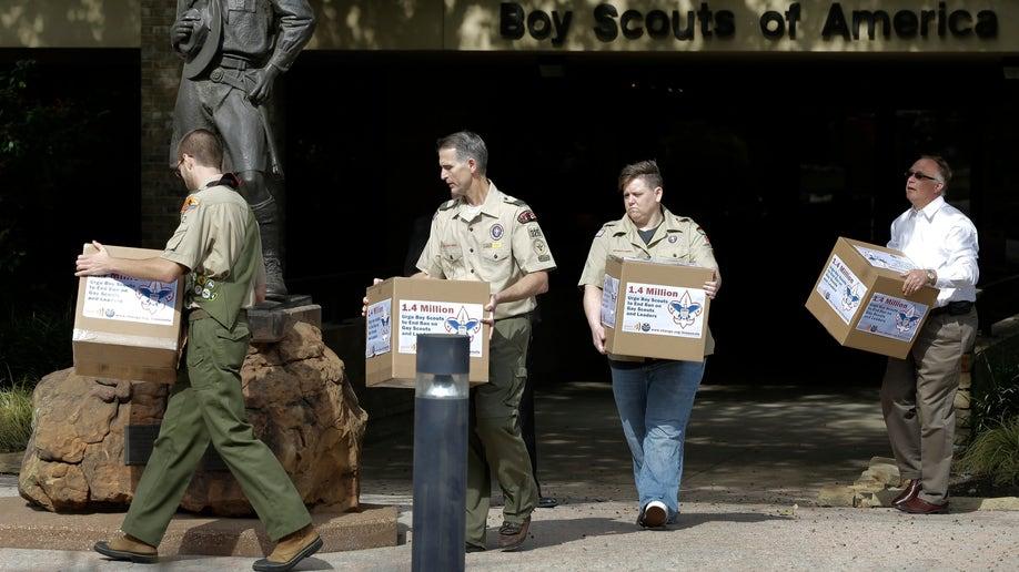 ab41bda9-Boy Scouts Gays