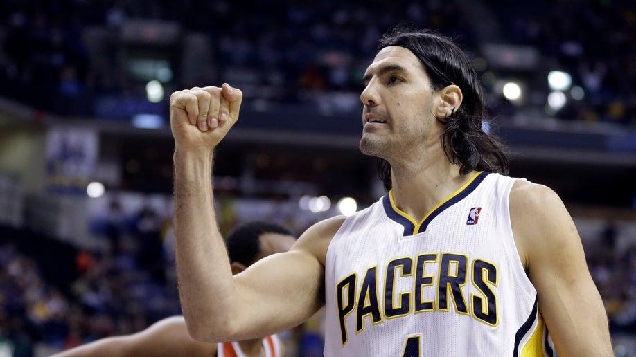 ea2f449b-Bucks Pacers Basketball
