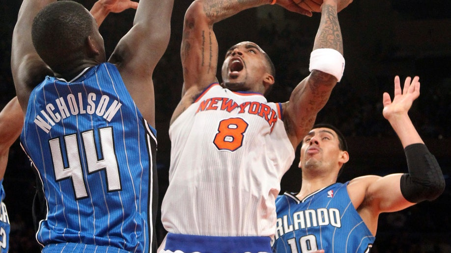 d0fcc57e-Magic Knicks Basketball