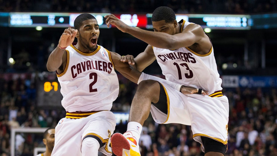 41ebab8f-Cavaliers Raptors Basketball