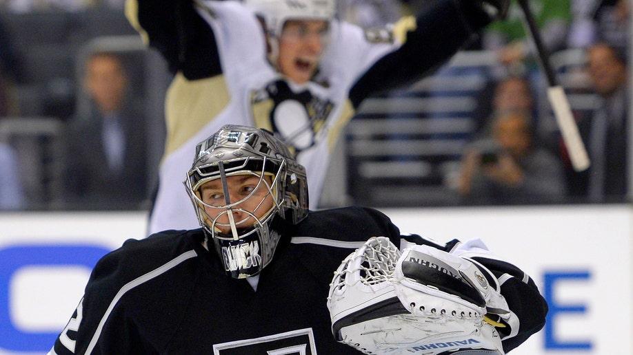 2bdcc6f3-Penguins Kings Hockey