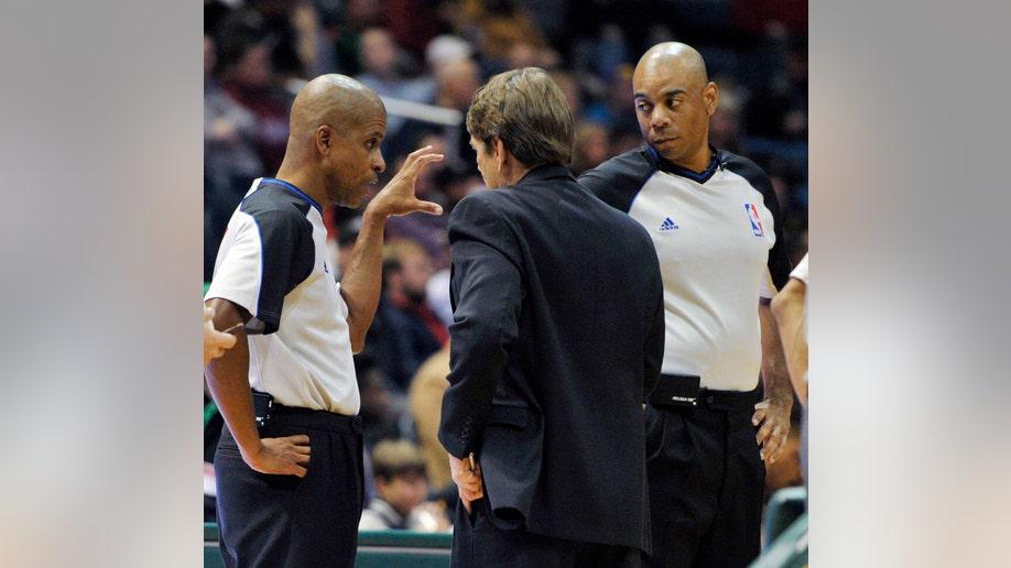 963901d4-Raptors Bucks Basketball