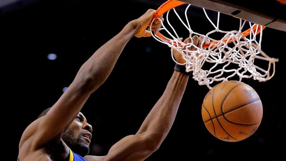 502b041b-Warriors Suns Basketball