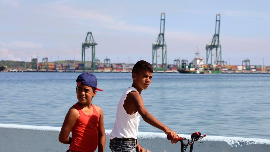 ed3bd937-Cuba New Port