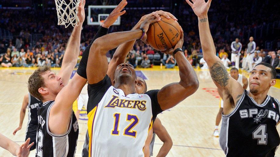 255963db-Spurs Lakers Basketball