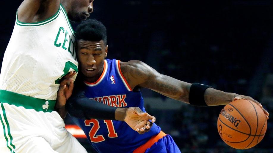 0c5a0833-Knicks Celtics Basketball
