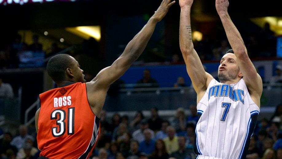 93e8e479-Raptors Magic Basketball