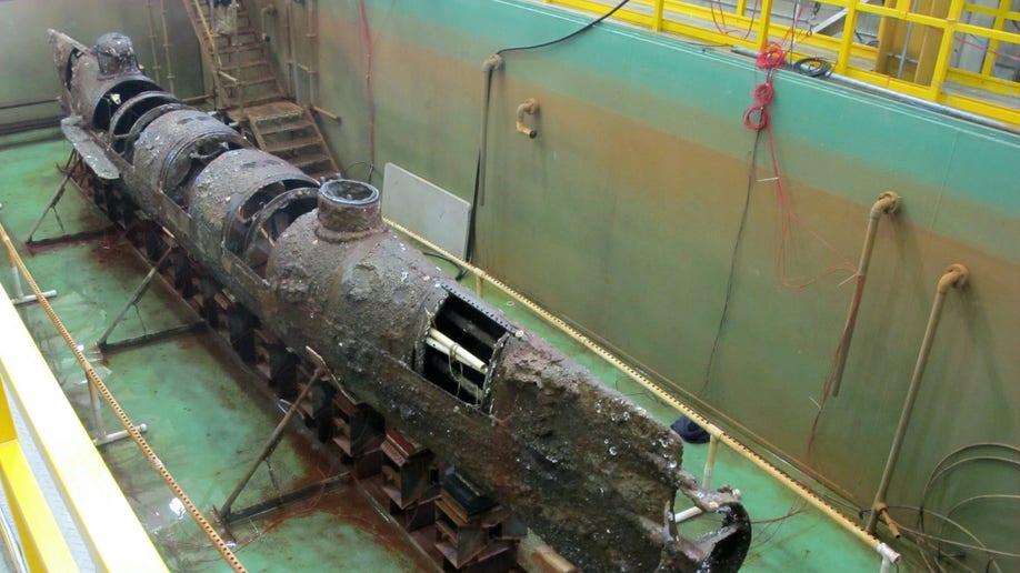 11ab00fc-Confederate Submarine