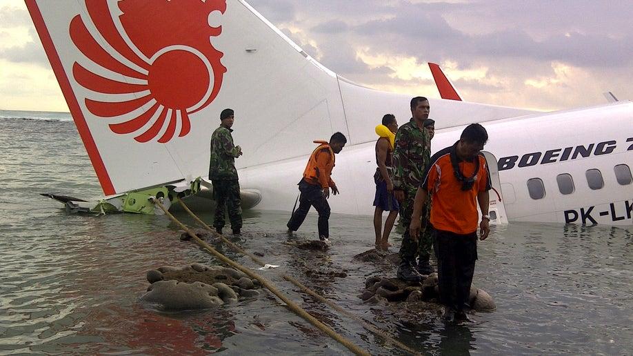 59aad9cc-Indonesia Plane Crash