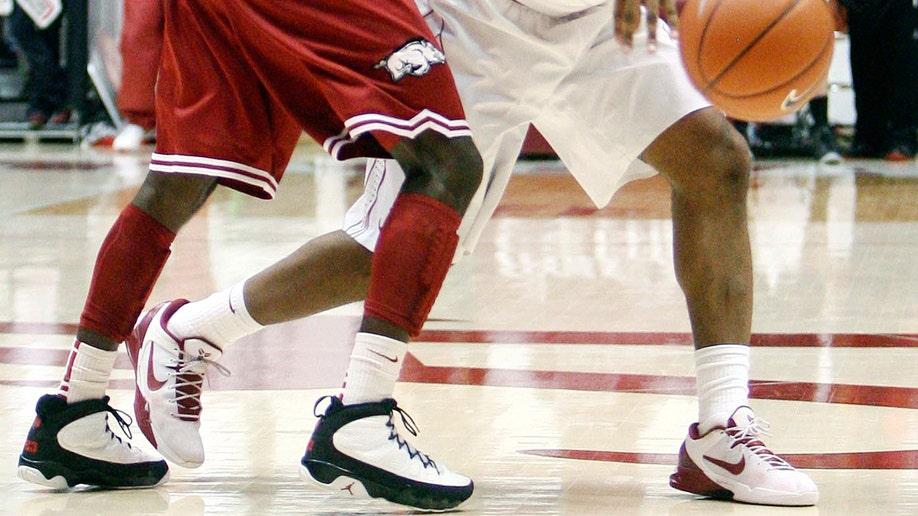 60beeb44-Arkansas Alabama Basketball