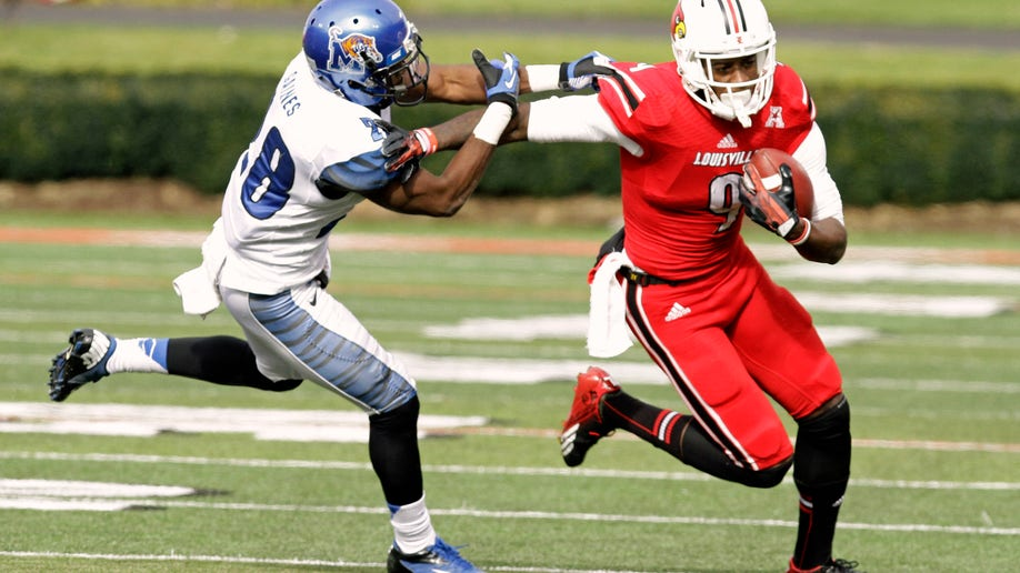 a1070b4c-Memphis Louisville Football
