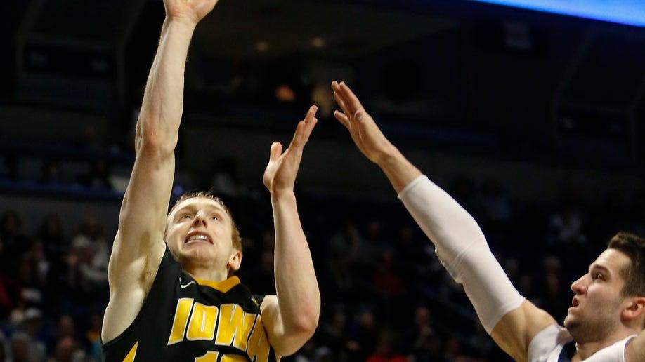 3130a1b2-Iowa Penn St Basketball