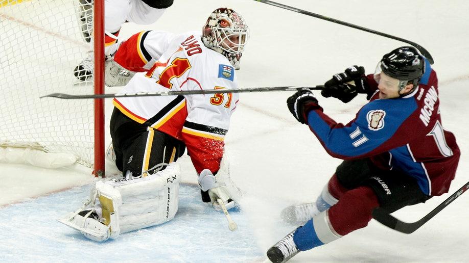 3f7e5b32-Flames Avalanche Hockey