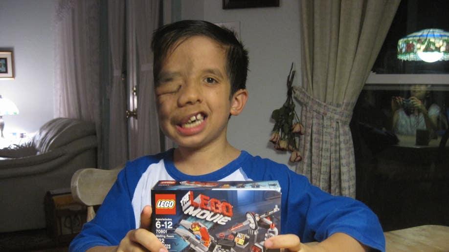 a703e9cf-ethan legos