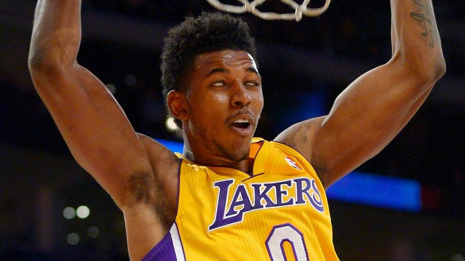 0cf5c3b5-Warriors Lakers Basketball