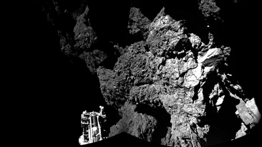 f056b0e3-Comet Landing