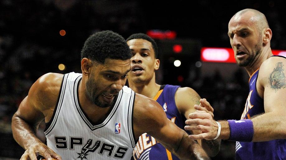 5b0f3a05-Suns Spurs Basketball