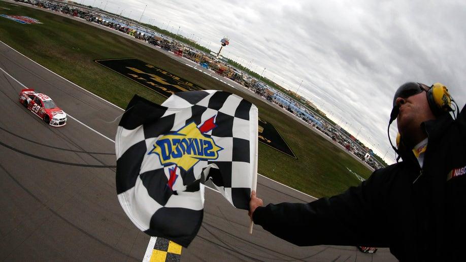 f188bd9b-NASCAR Kansas Auto Racing
