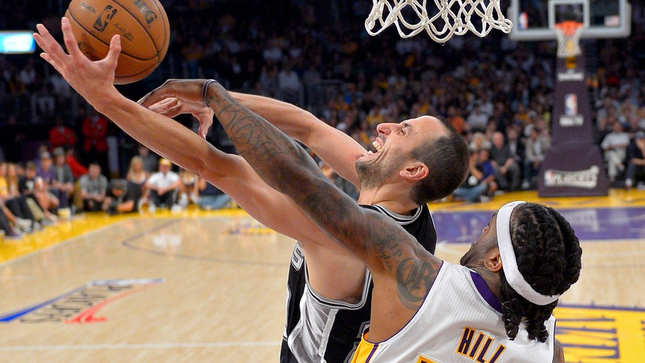 443f2429-Spurs Lakers Basketball