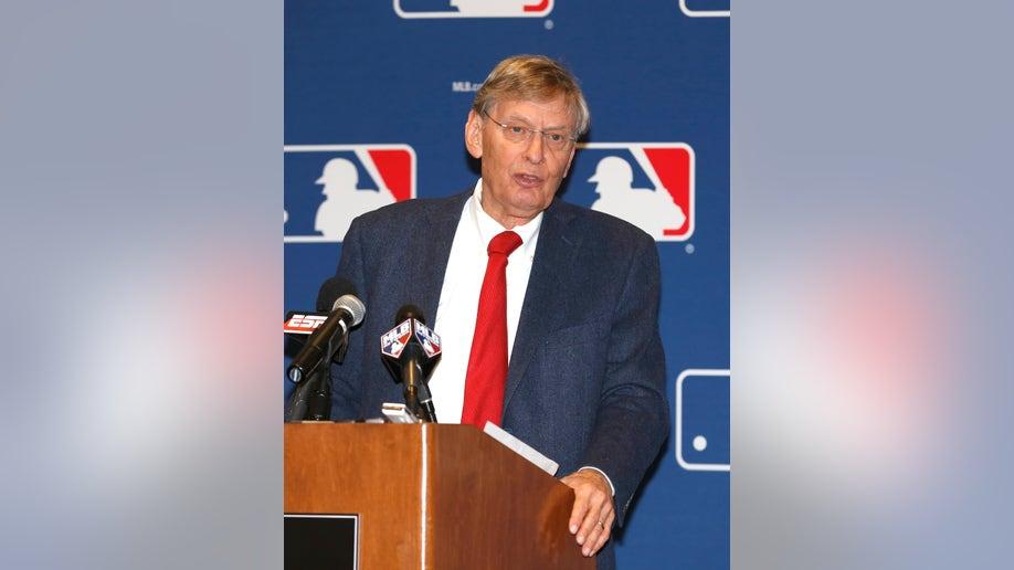 2c3cce4b-GM Meetings Baseball