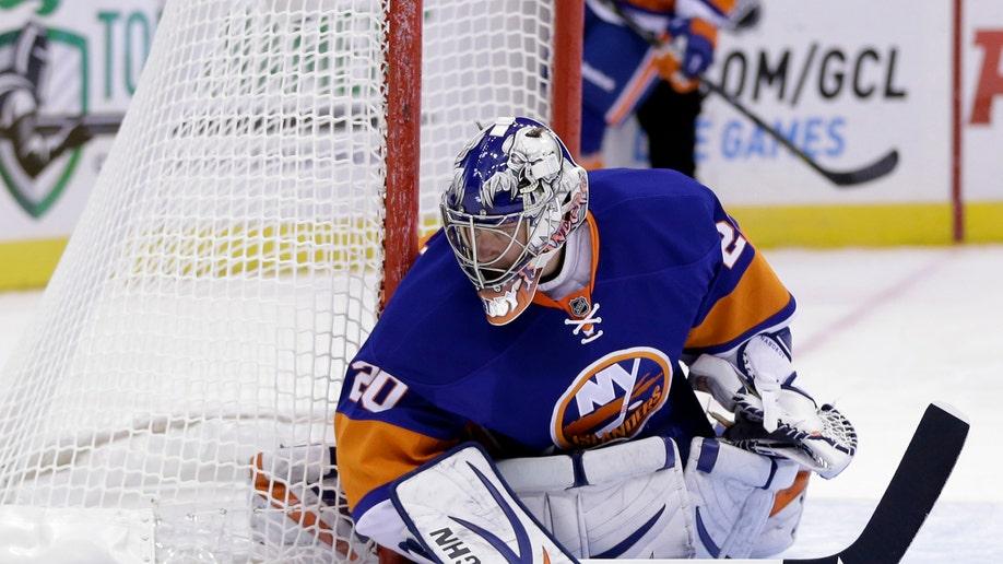 9b007452-Sabres Islanders Hockey