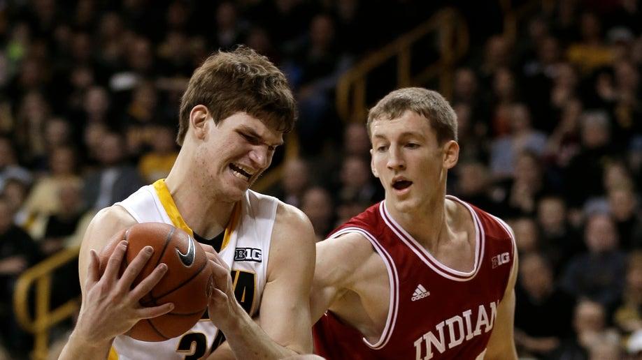 44396886-Indiana Iowa Basketball