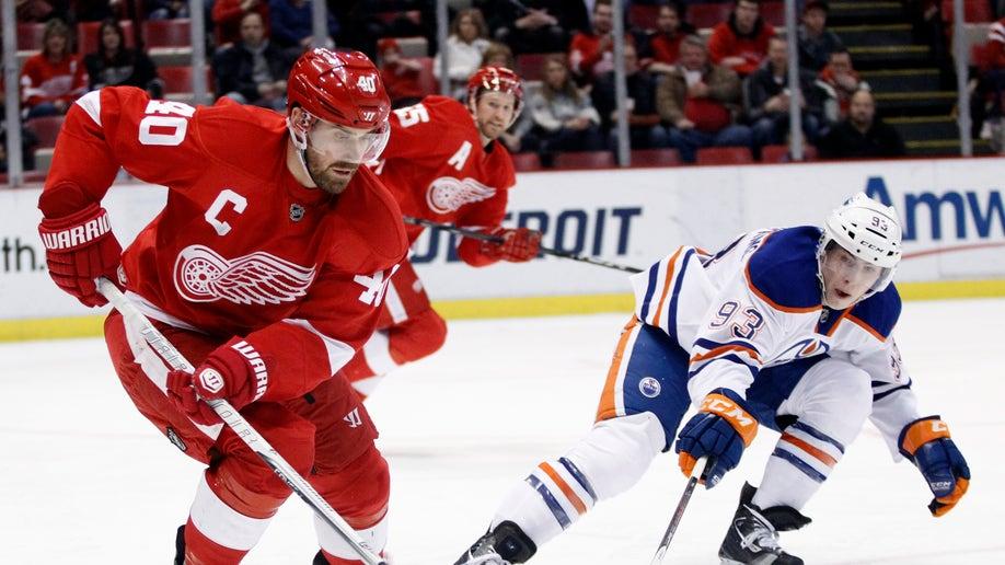 9bad9022-Oilers Red Wings Hockey