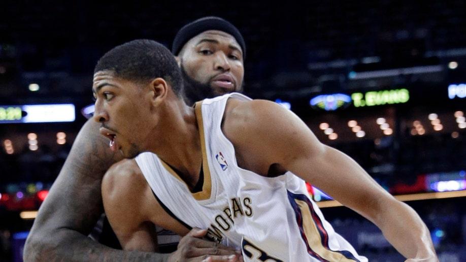 f52ab6e7-Pelicans Davis Basketball