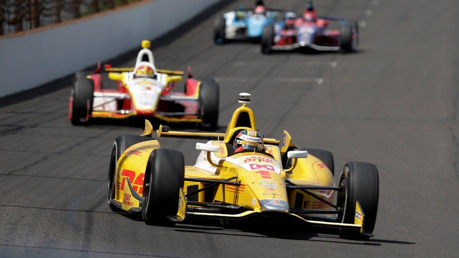 8aa9bb05-IndyCar Indy 500 Auto Racing