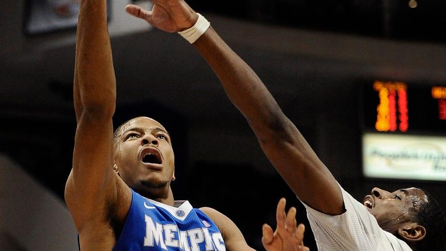 c0eeeb51-Memphis UConn Basketball