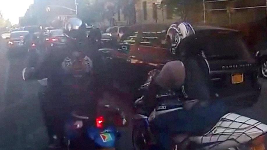 43509a01-Bikers SUV Assault