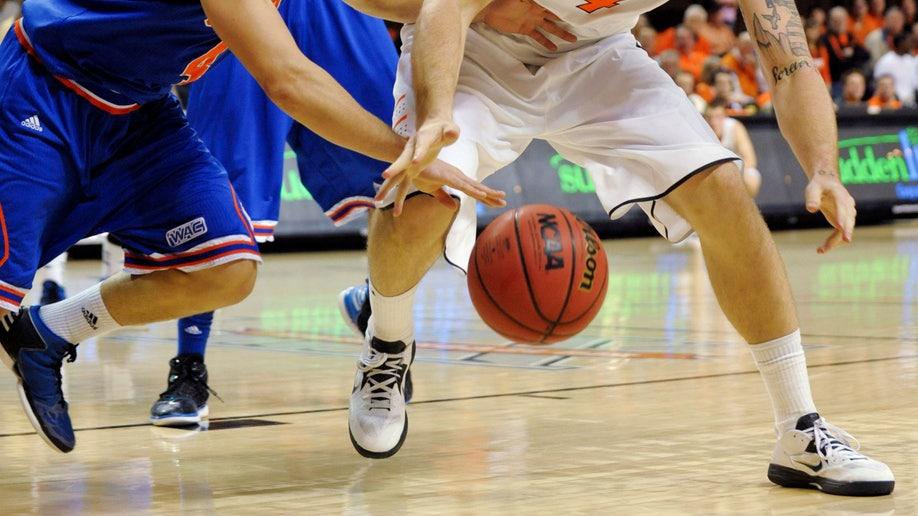 26dd1c8b-Texas Arlington Oklahoma St Basketball