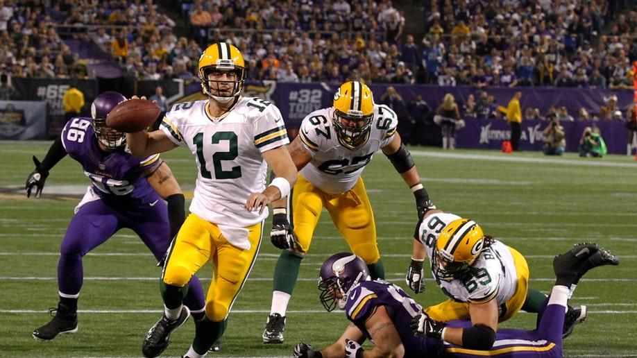 afaeb6f7-Packers Vikings Football