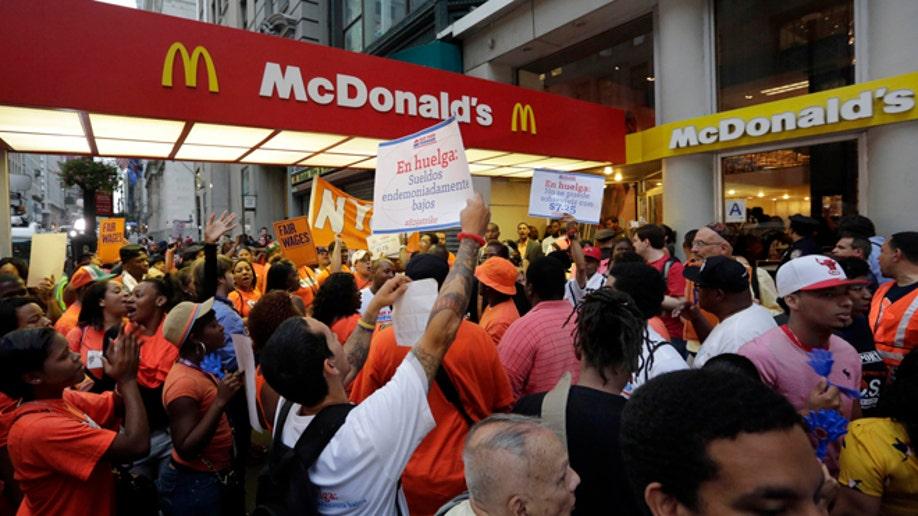 21e4e371-Fast Food Protests